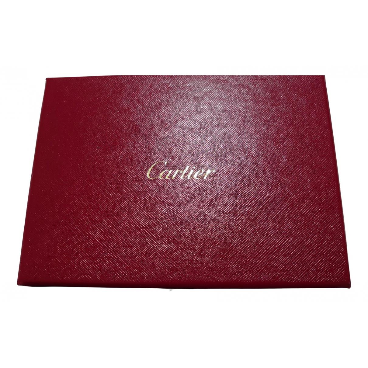 Objeto de decoracion de Cuero Cartier