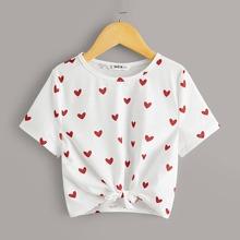 Maedchen T-Shirt mit Herzen Muster und Knoten am Saum