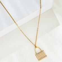 Collar con cerradura con diseño de diamante de imitacion y perla
