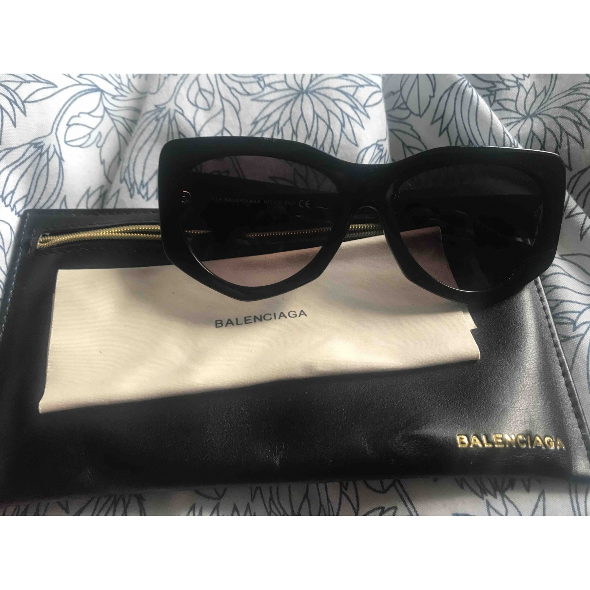 Balenciaga \N Sonnenbrillen in  Schwarz Kunststoff