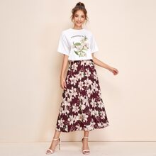 Drop Shoulder Slogan Graphic Tee & Floral Pleated Skirt