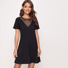Einfarbiges T-Shirt Kleid mit Fischnetzeinsatz