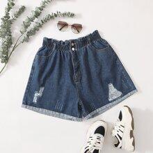 Denim Shorts mit Waschung und Riss