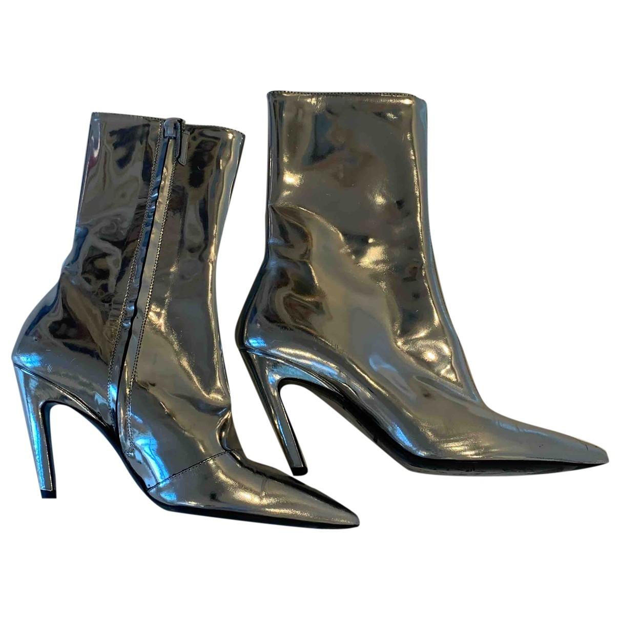 Balenciaga - Bottes Slash pour femme en cuir verni - argente