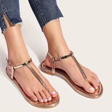Sandalias con tira de color metalica