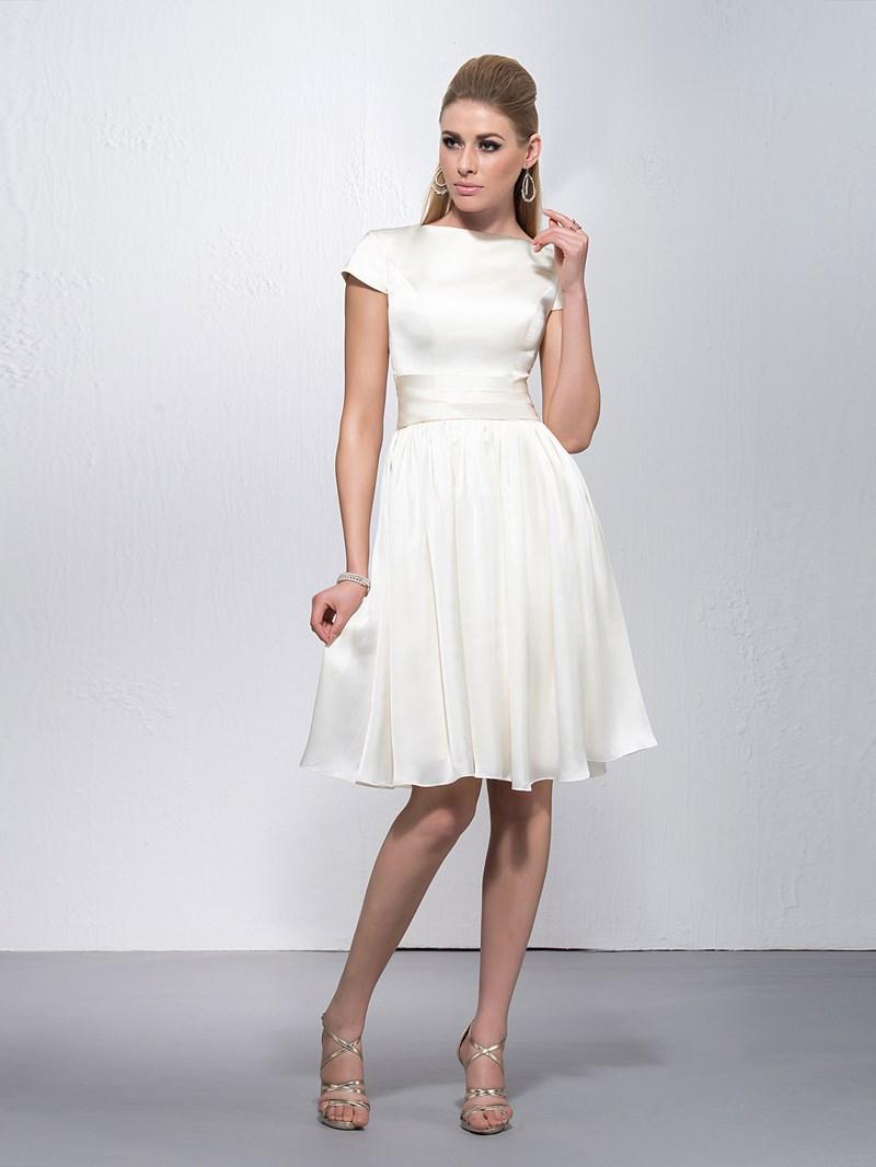 Elegant Bateau Neckline Short Sleeves Knee Length Zipper-Up Cocktail Dress