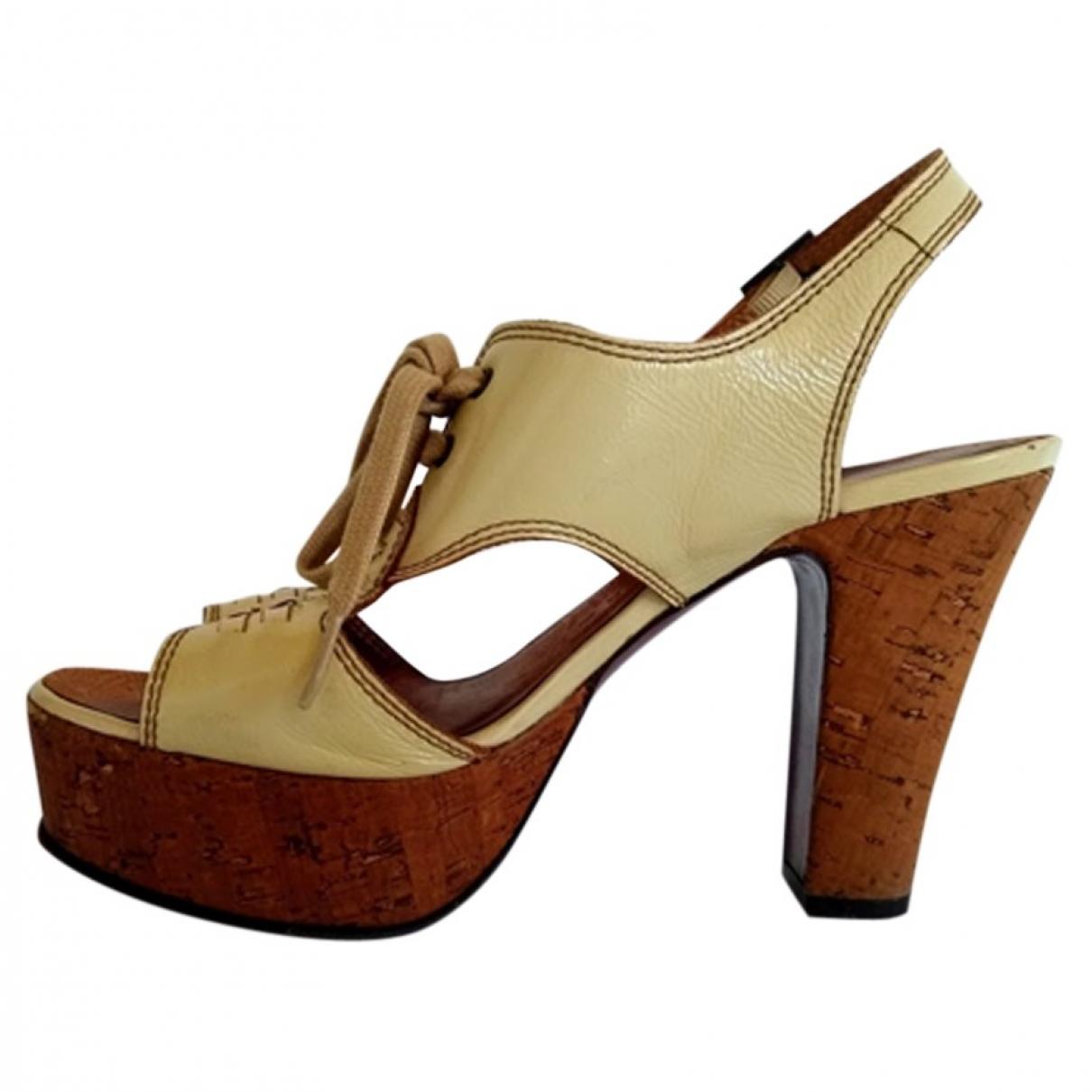 Chie Mihara \N Ecru Leather Sandals for Women 39 EU