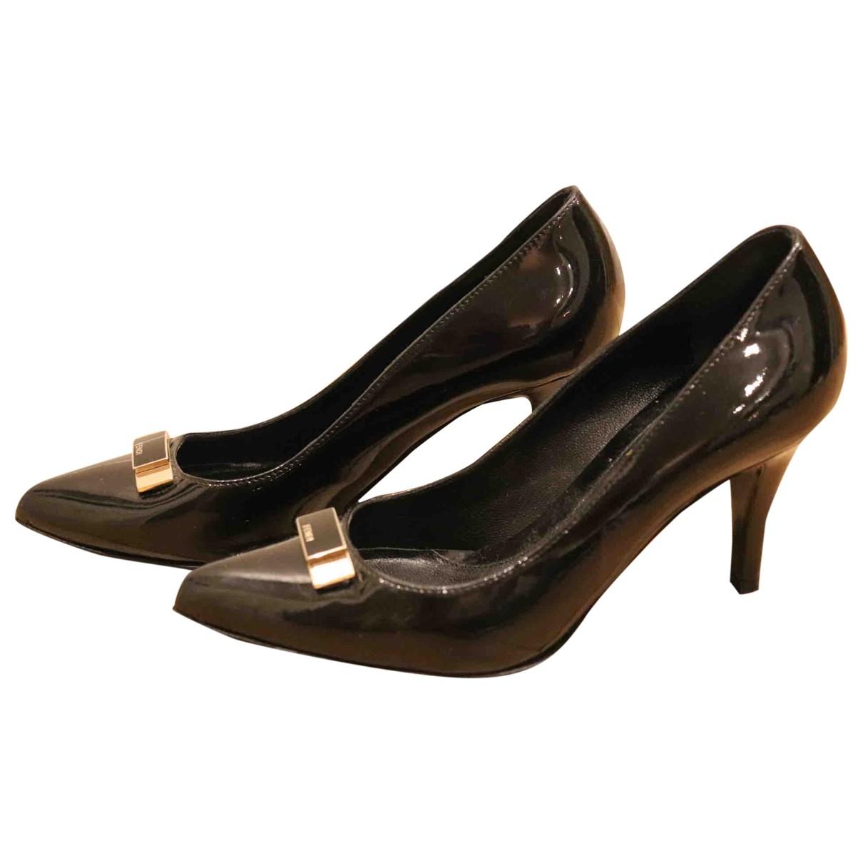 Fendi - Escarpins   pour femme en cuir verni - noir