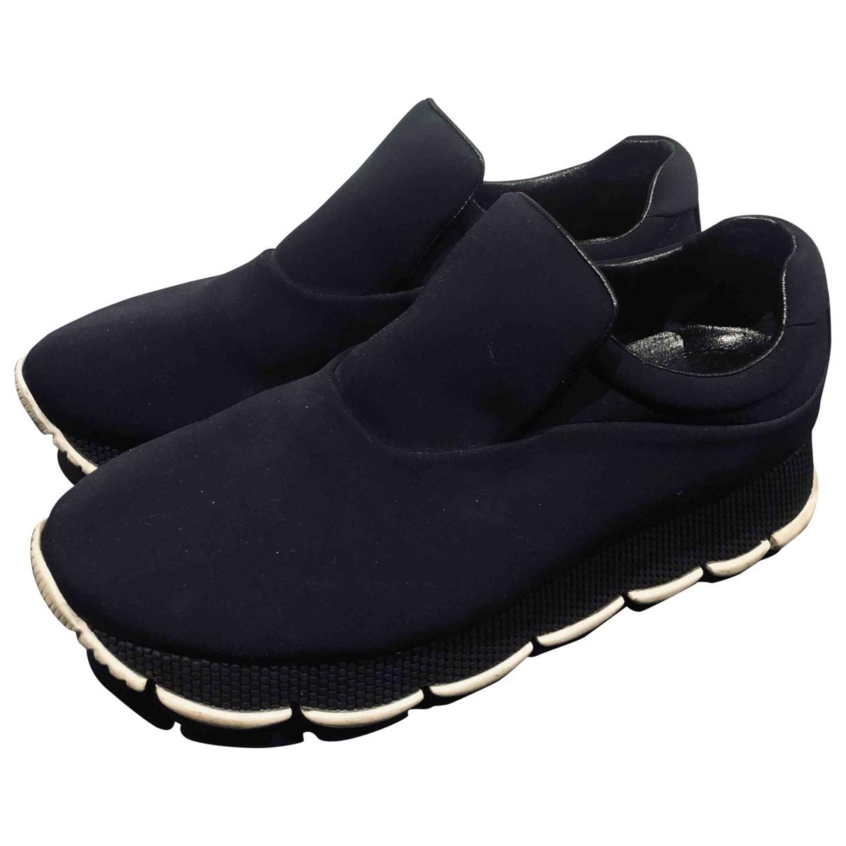 Prada \N Sneakers in  Schwarz Kautschuk