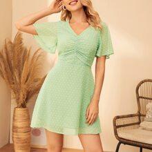 Chiffon Kleid mit Punkten Muster, Flatteraermeln und Ruesche