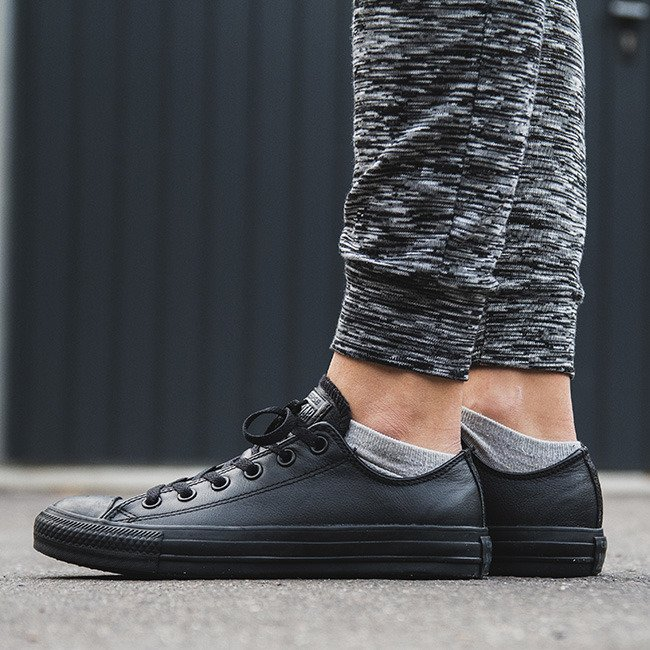 converse chuck taylor leather ox 135253c