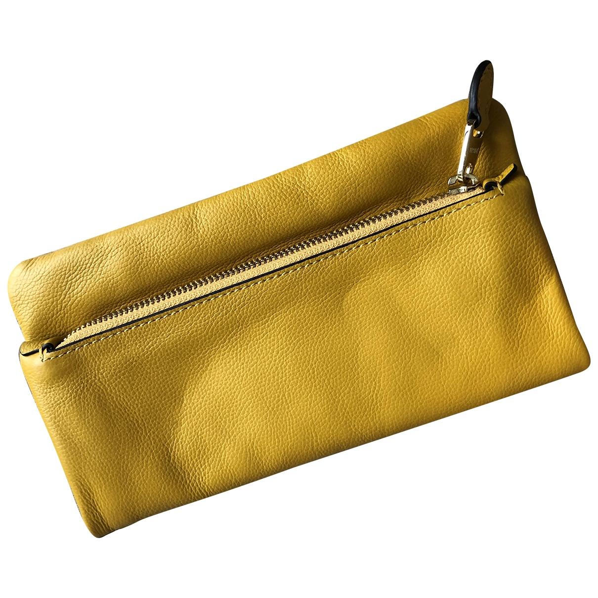 Jaeger \N Clutch in  Gelb Leder