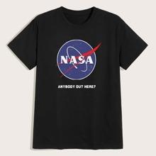 Maenner T-Shirt mit Buchstaben und Grafik