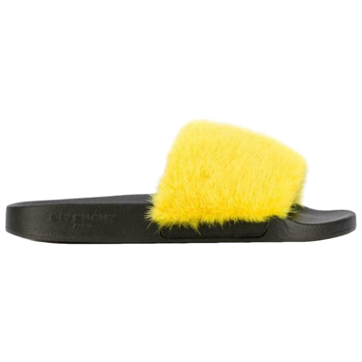 Givenchy - Sandales   pour femme en vison - jaune