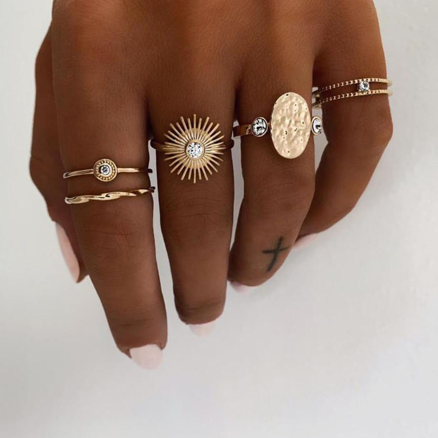 LW Lovely Trendy 5-piece Gold Ring