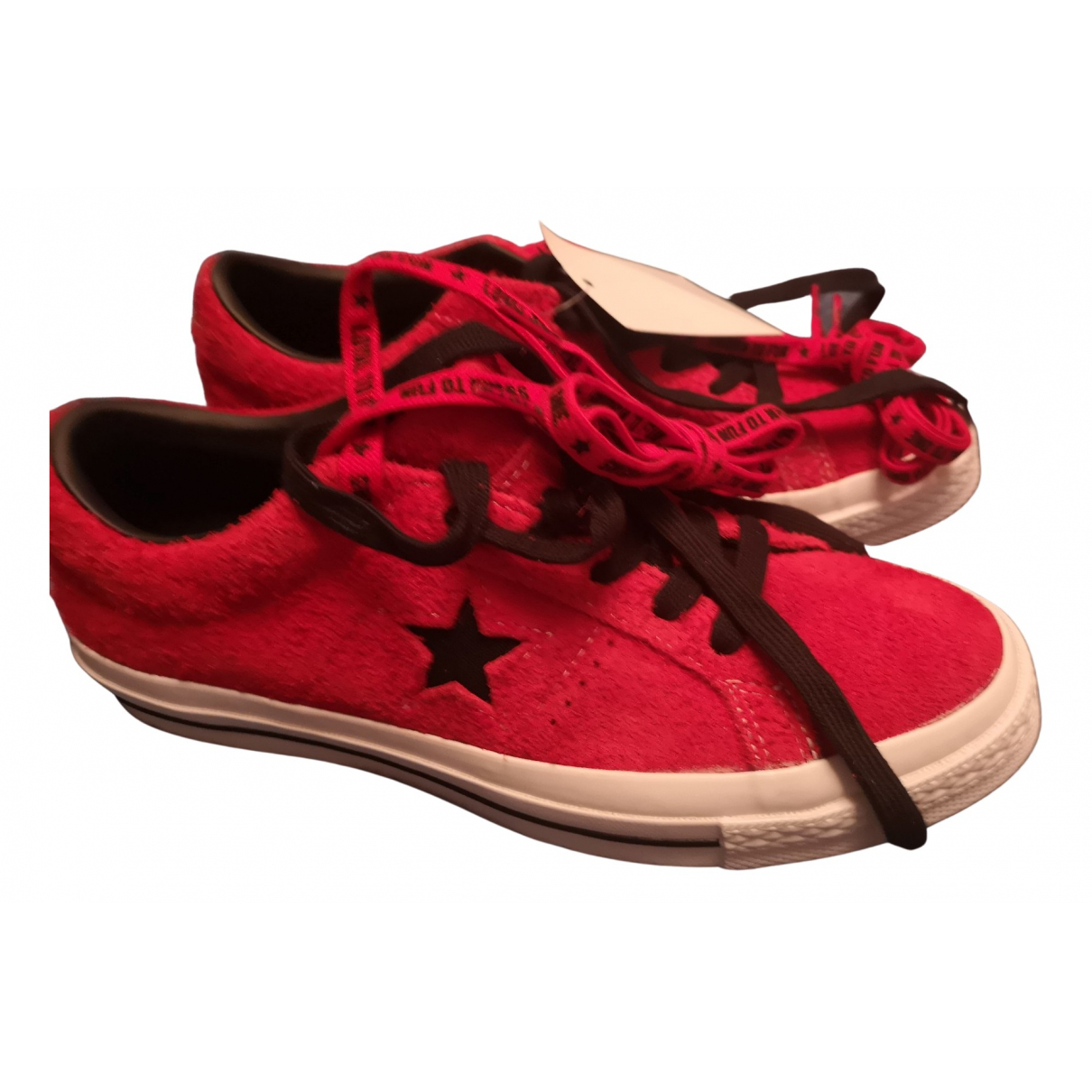Converse \N Sneakers in  Rot Veloursleder