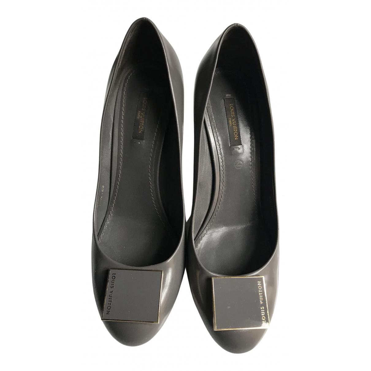 Louis Vuitton - Escarpins   pour femme en cuir - gris