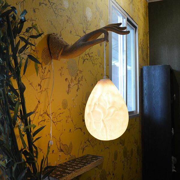 Classic Resin Lotus Decorative Wall Light