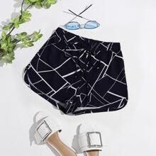 Shorts mit Taillenband und Geo Muster