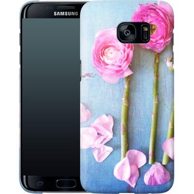 Samsung Galaxy S7 Edge Smartphone Huelle - Cottage Flowers von Joy StClaire