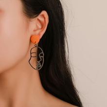 Ohrringe mit Hohlen