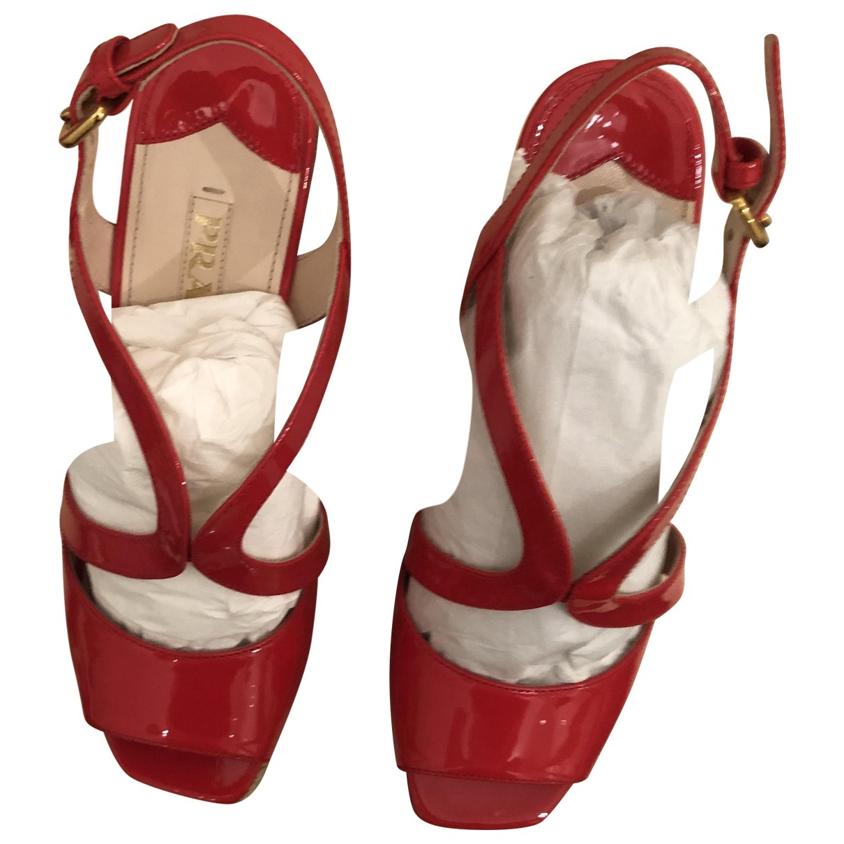 Prada - Sandales   pour femme en cuir verni - rouge