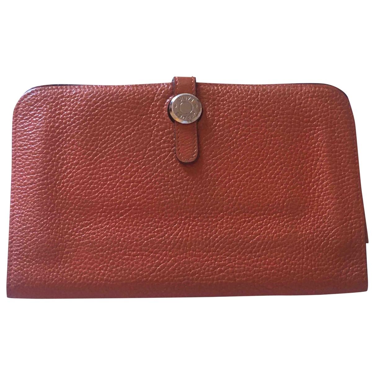 Hermès Dogon Orange Leather wallet for Women \N
