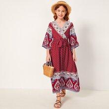 Maedchen Kleid mit Glockaermeln, V Ausschnitt und Stamm Muster