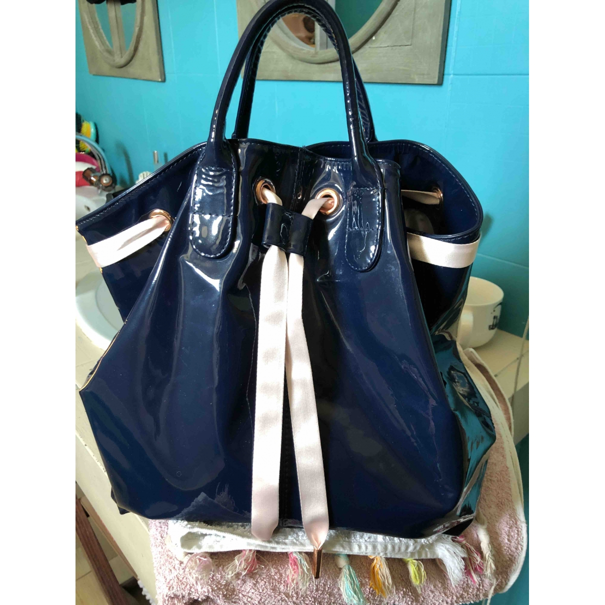 Repetto \N Navy Patent leather handbag for Women \N