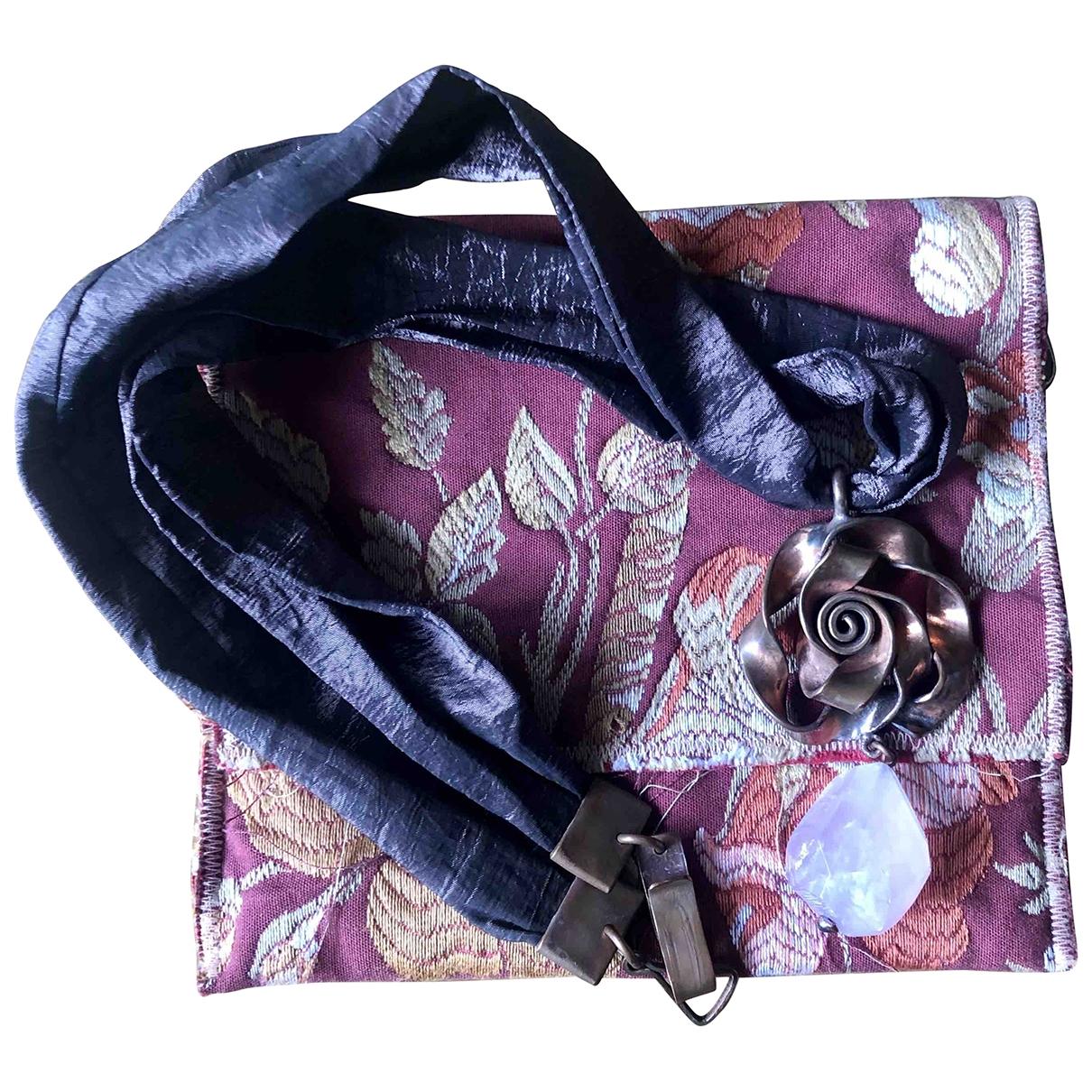 - Collier Motifs Floraux pour femme en metal - bordeaux