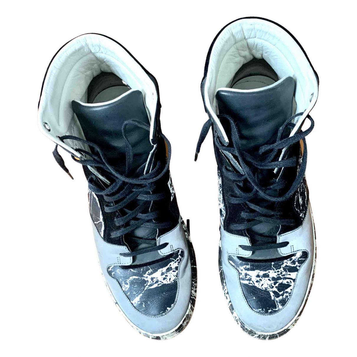 Balenciaga \N Sneakers in  Grau Leder