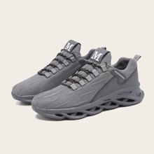 Men Lace-up Front Low Top Sneakers