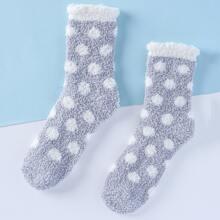 Socken mit Punkten Muster