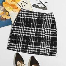 Falda con estampado de cuadros bajo con abertura