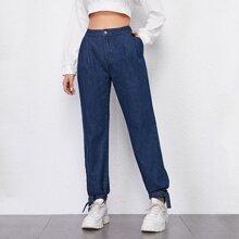 Jeans mit hoher Taille, Falten und Knoten