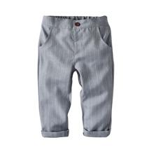 Kleinkind Jungen Hosen mit Streifen und gerolltem Saum