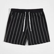 Shorts mit Kordelzug um die Taille und Streifen