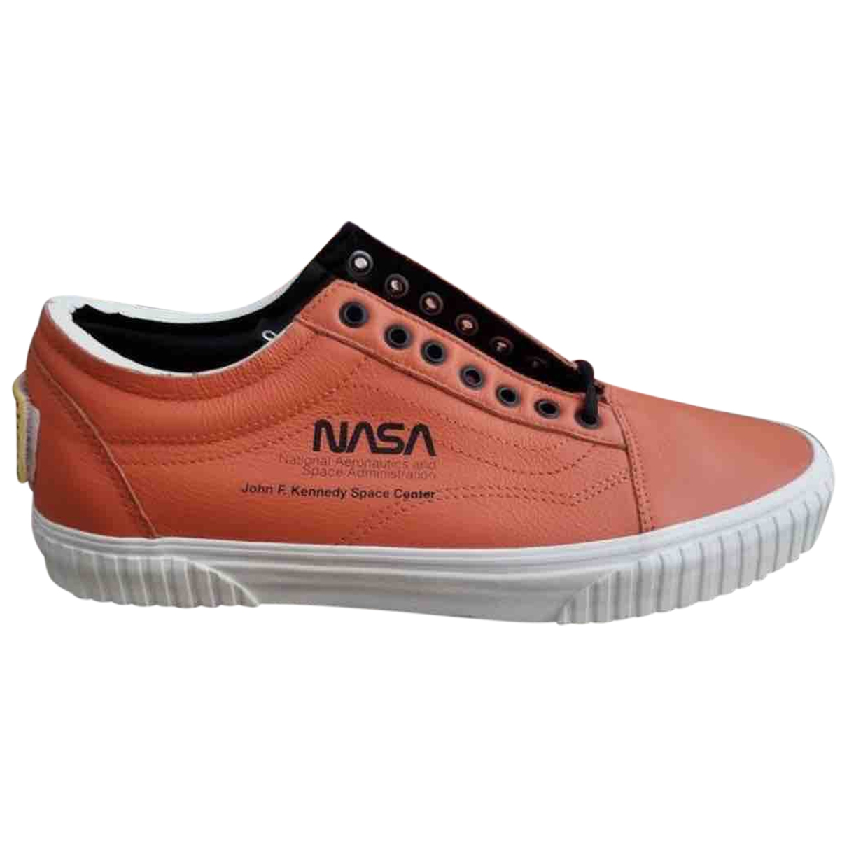 Vans \N Orange Leather Trainers for Women 41 EU