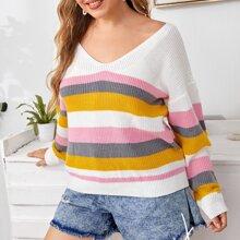 Pullover mit sehr tief angesetzter Schulterpartie und buntem Streifen