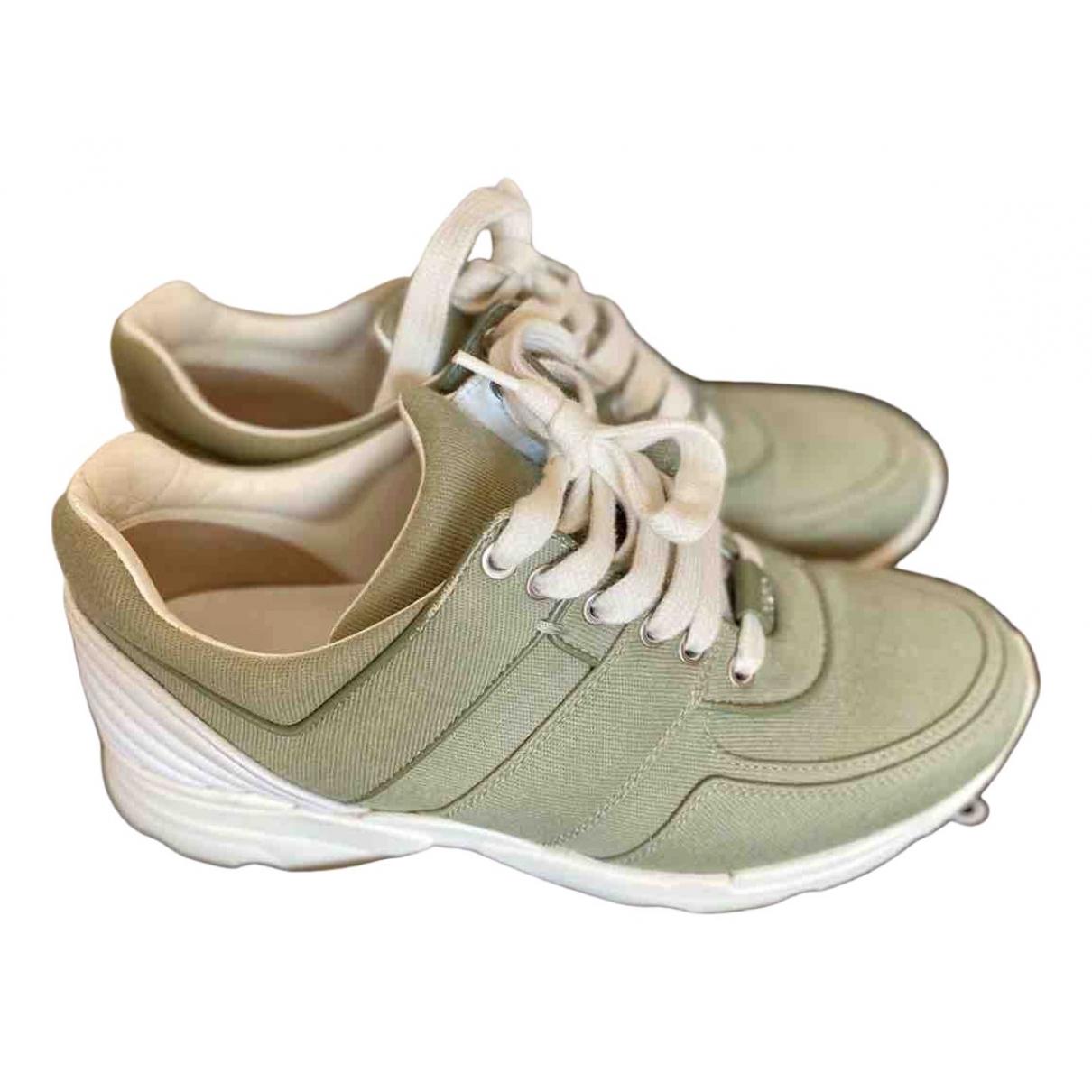 Chanel \N Sneakers in  Khaki Leinen