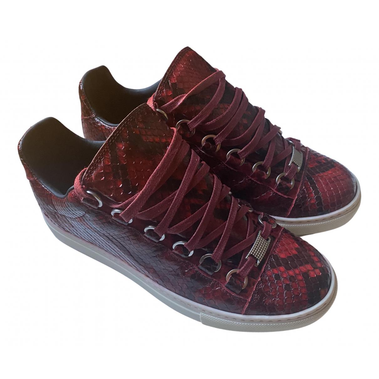 Balenciaga \N Sneakers in  Bordeauxrot Wasserschlangen