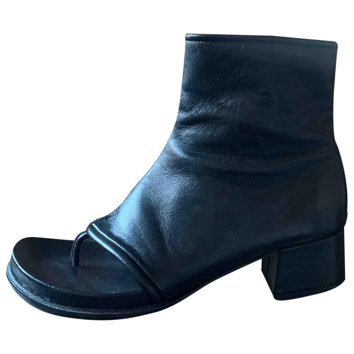 Loewe \N Stiefeletten in  Schwarz Leder