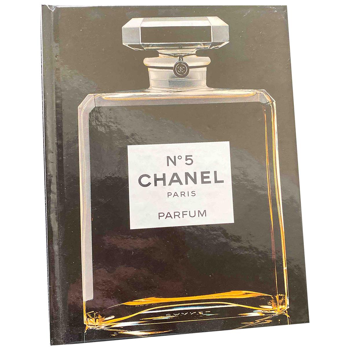Chanel - Mode   pour lifestyle en autre - noir