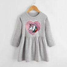 Babydoll Kleid mit Herzen & Einhorn Muster und reversiblen Pailletten
