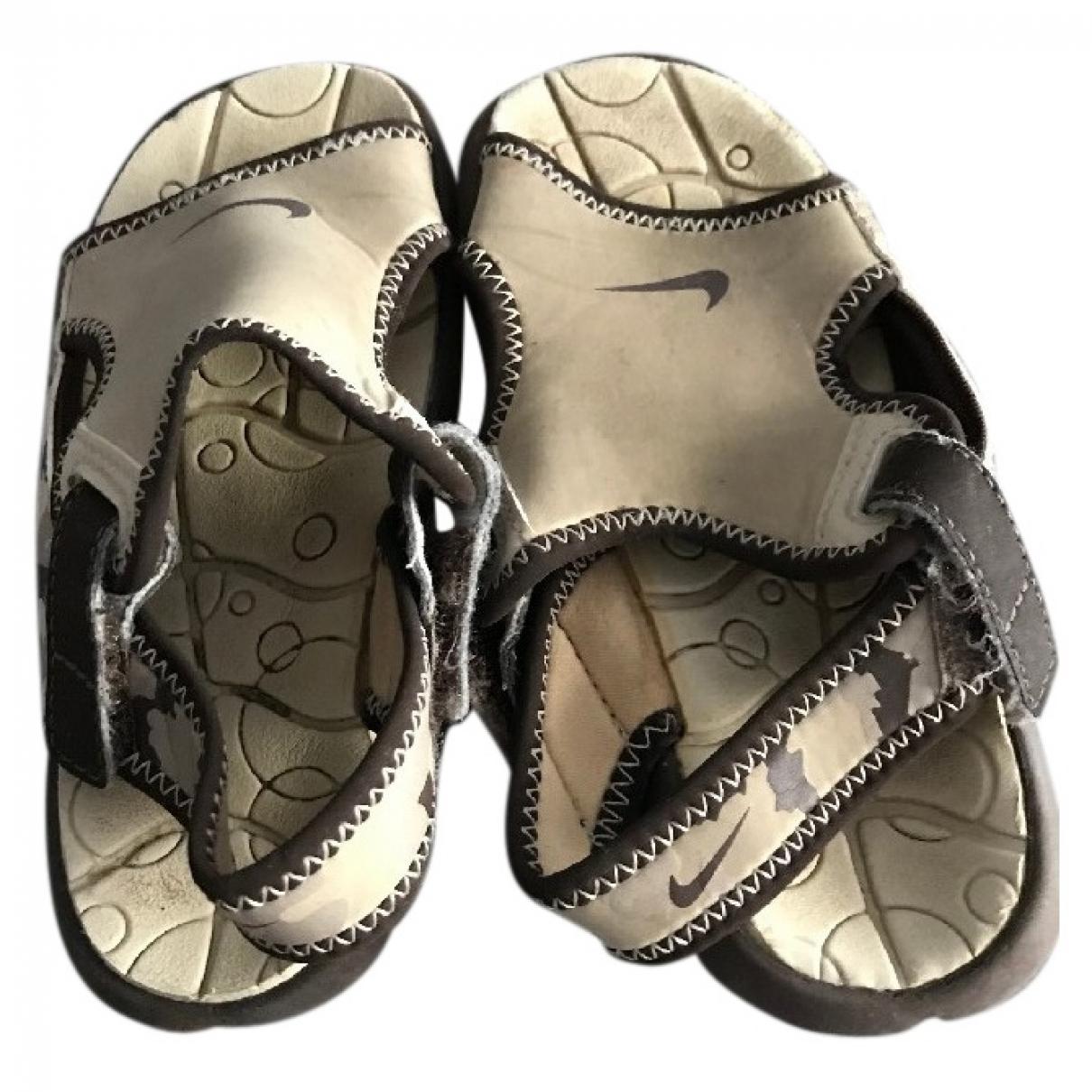 Nike \N Beige Leather Sandals for Kids 27 EU
