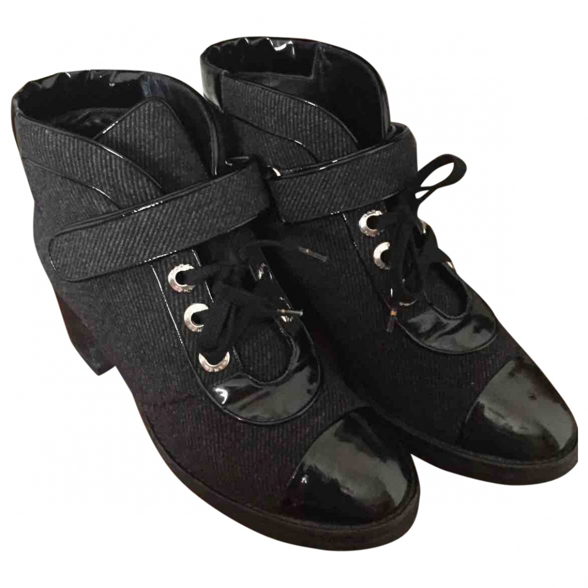 Chanel \N Black Cloth Ankle boots for Women 37 EU