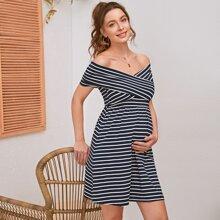 Maternity Schulterfreies Kleid mit Kreuzgurt, Wickel Design und Streifen