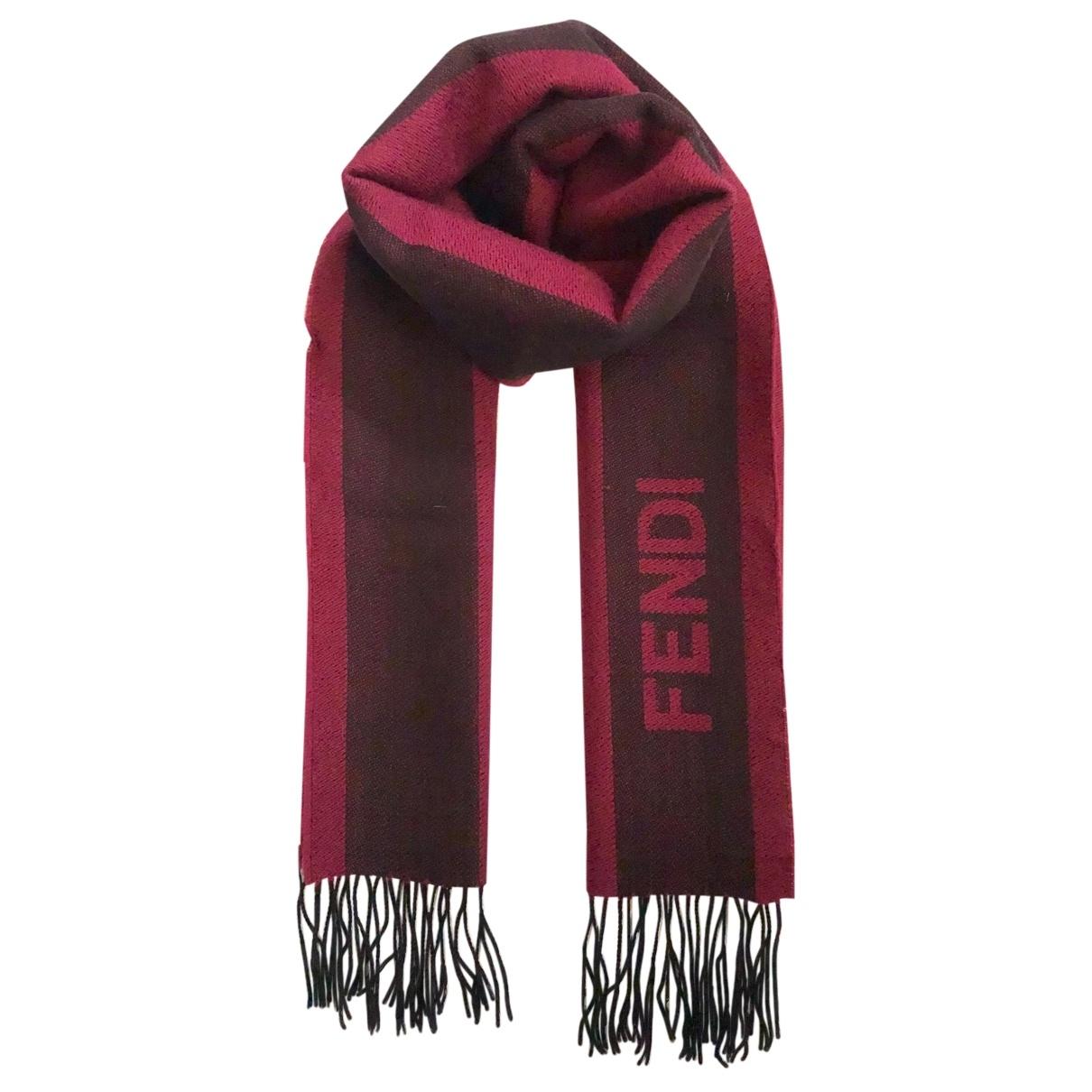 Fendi \N Schal in  Bordeauxrot Wolle