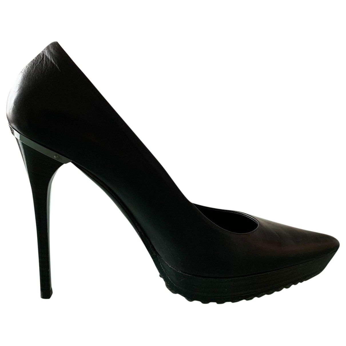 Burberry \N Pumps in  Schwarz Leder
