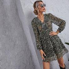 A-Linie Kleid mit komplettem Muster und Rueschen